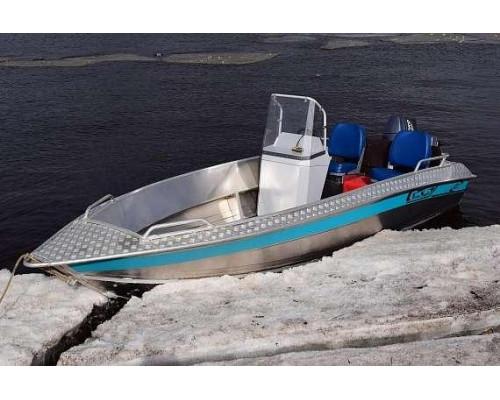 Алюминиевая лодка NewStyle 431 - с консолью