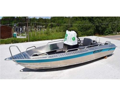 Алюминиевая лодка NewStyle 432 - с консолью