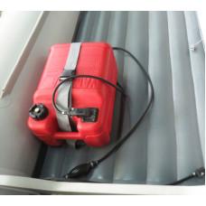 Крепление топливного бака для лодок с НДНД